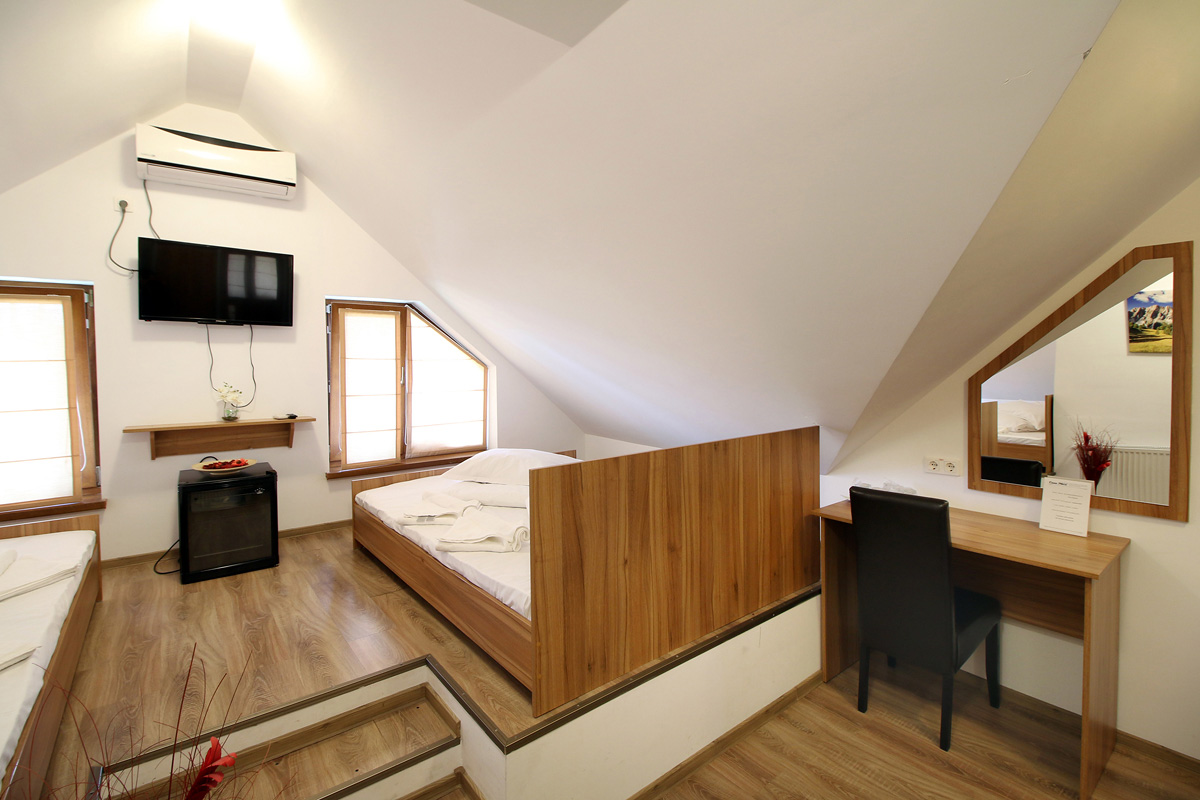 quadruple room in Casa Micu guest house Sibiu