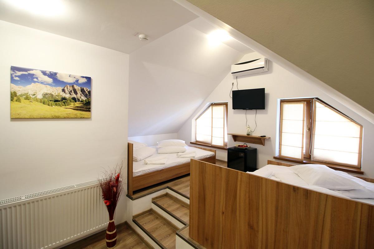 camera cvadrupla in pensiunea Casa Micu Sibiu